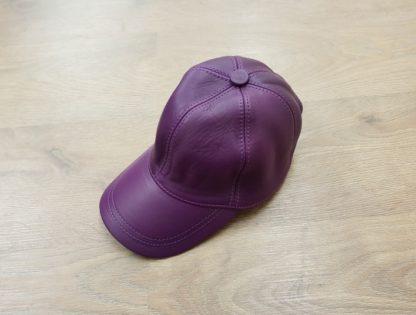 Δερμάτινο καπέλο τζόκευ μοβ