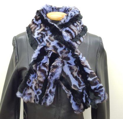 Κασκόλ με γούνα πλακέ μπλε σχέδιο